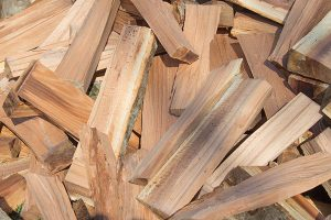 how to season firewood