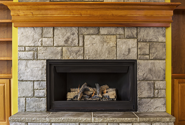 What's the Difference Between Fireplaces vs Fireplace Inserts?