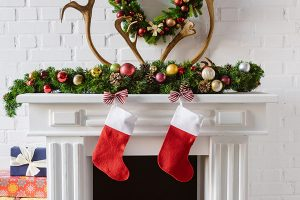 Christmas fireplace mantel decorations for the holidays